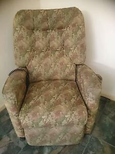 Electric Lift & Recliner Armchair Parafield Gardens Salisbury Area Preview