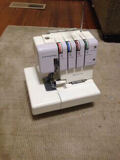 Sewing overlocker