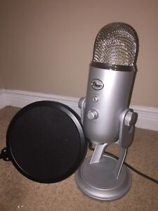 Blue yeti microphone FOR SALE!
