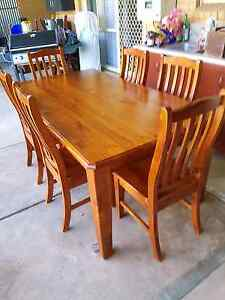 Dining table 7 pieces colonial style Para Hills West Salisbury Area Preview