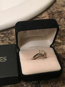 Engagement ring for sale from peoples 1500 or best offer