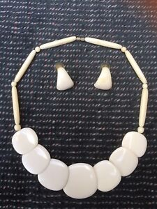 Estate Vtg Authentic Carved Ivory Look Necklace with Earrings