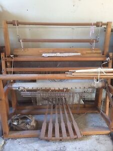 Weaving machines (loom)