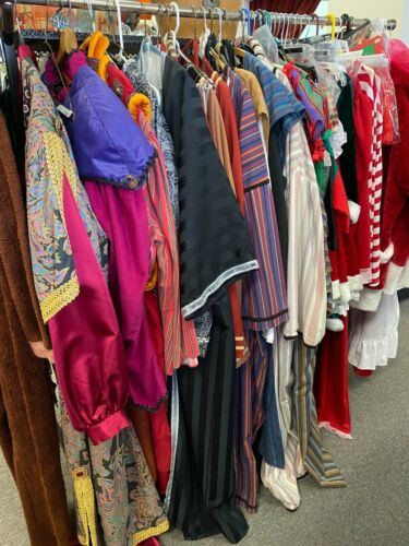 900+ Costumes and Vintage Clothing/ Vintage & Costume Hats