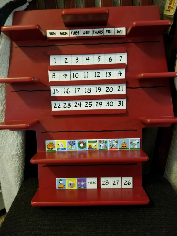 Danbury Perpetual Calendar Shelf With All Tiles For Snoopy Of The Month
