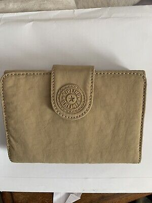 Kipling Nelis Purse/Wallet In Excellent Condition! In Sandy Camel Colour