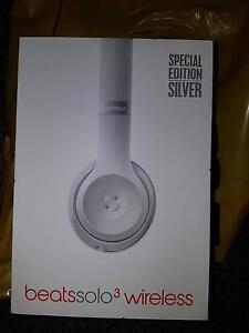 Beats Solo3 Brand New Silver edition Darlington Inner Sydney Preview