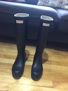 Hunter rain boots for sale / Botte de pluie Hunter à vendre