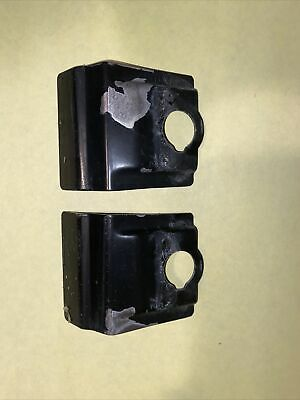 Details about  /Yakima Q 20 Clip Fit Kit Roof Rack 1 Pair  For 2 Towers Clips Only