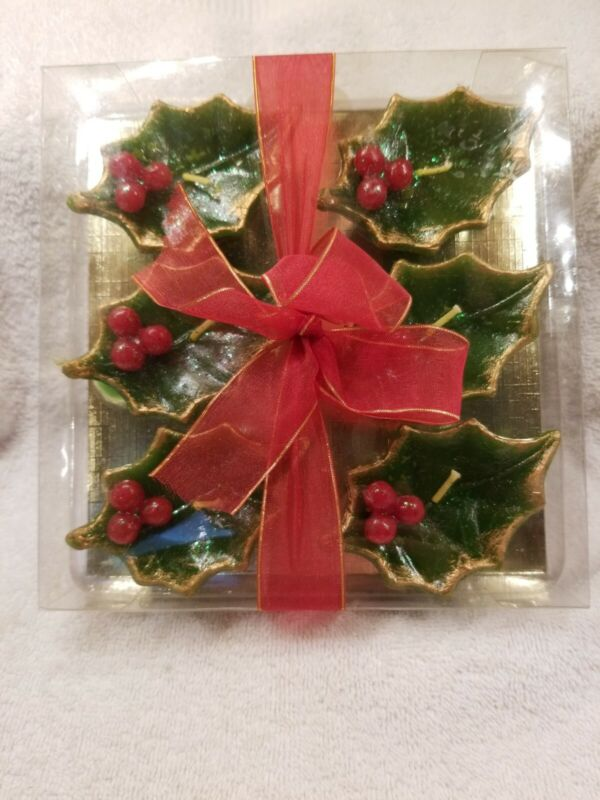 Home Goods Candles x 6 Holly Leaf and Berries Shape.   Nice gift box set.