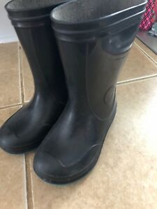 Toddler rubber boots size 8
