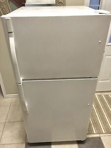 Kenmore fridge/freezer-works great
