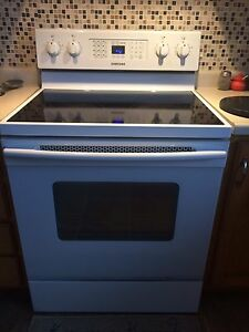 Samsung Conventional  Oven  Stove   Cornwall Ontario image 2