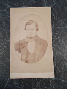 Antique-CDV-Card-Photograph-Victorian-Gentleman-By-J-Bottomley-Bradford