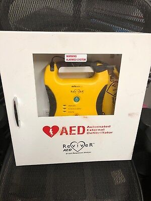 Defibtech Lifeline Ddu-100 Semi Automatic Aed With Wall Cabinet