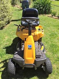 30 inch Cub Cadet Ride on Lawn mower . Willow Vale Bowral Area Preview