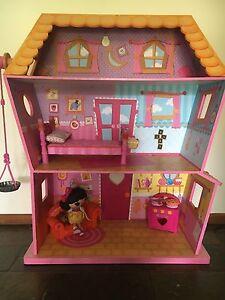 La la loopsy dolls house Ridgehaven Tea Tree Gully Area Preview
