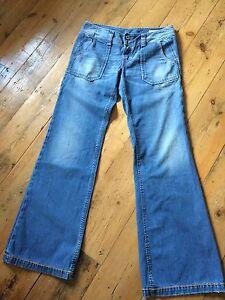 Diesel Hipper Flared Jeans W29 L34