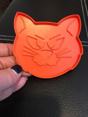 Hallmark COOKIE CUTTER Halloween CAT FACE Vintage Holiday Plastic HARD - Hallmark Halloween