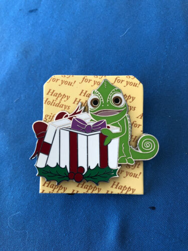 PASCAL  Disney Pin HOLIDAY GIFT  Mystery  2020 Limited E REVEAL From  Box