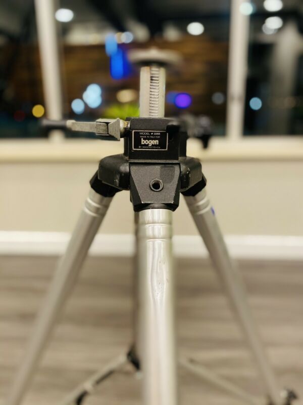 Bogen Manfrotto 3068  Heavy duty tripod in great shape