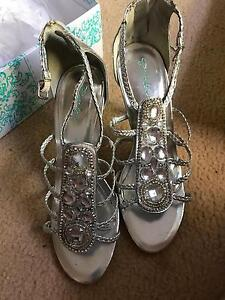 Silver High Heels Eight Mile Plains Brisbane South West Preview