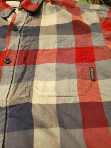 Columbia Sportswear Company Mens Flannel Button Up Shirt Size M - $15.99