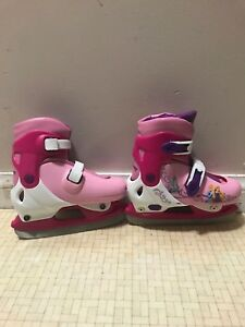 Adjustable hockey skates. Fits size 7 to 13. Like new
