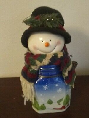 Vintage In Excellent Condition Christmas Snowman Ceramic Coffee Canister