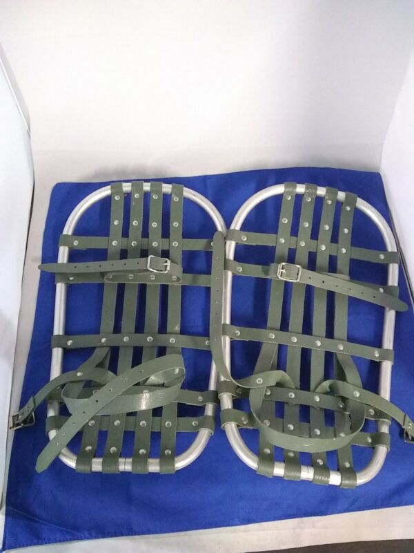 """Vintage BEAR PAW SNOWSHOES 17"""" X 10""""  Smaller Size for Easy Walking S W E E T!!"""
