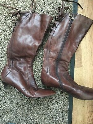 (Brown Leather Kitten Heal Calf boots for large calf back lacing, side zip Size 7)