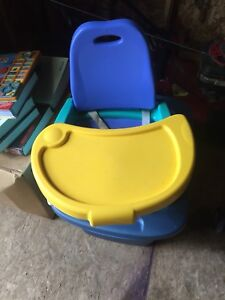 Booster seat for table