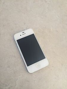 32GB White iPhone 4S with charger & earphones, Unlocked Belmont Belmont Area Preview