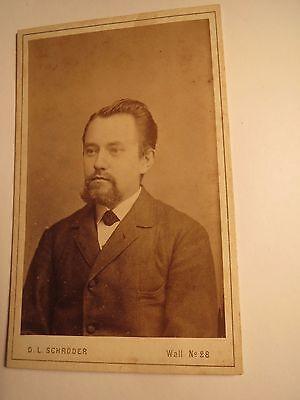 Bremen - Mann mit Bart im Anzug - Portrait / CDV