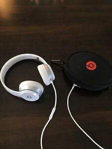 Wired beats solo 2.0 by Dr. Dre!