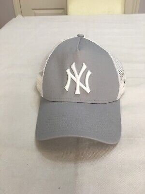 New Era NY Cap Snap back New York Yankees Grey White