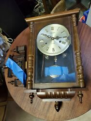 Linden 31 Day chiming wall clock in LOOKS WELL TAKEN CARE OF NO RESERVE AUCTION!