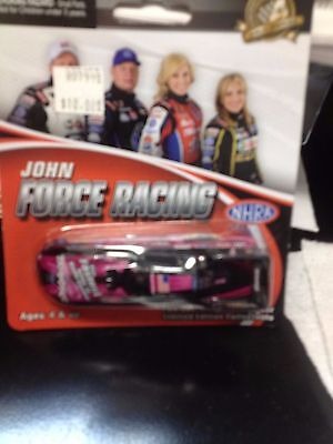 NHRA Action 1:64 Courtney Force Traxxas Pink 2013 Ford2