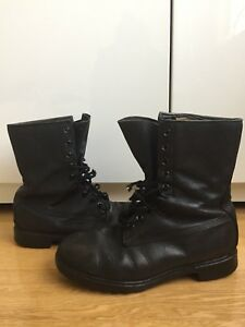 MENS size 10-11 ARMY ISSUE LEATHER BOOTS CANADIAN MILITARY BLACK