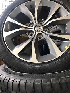 Holden VF Calais Genuine 18 inch wheels and balanced Guildford Parramatta Area Preview