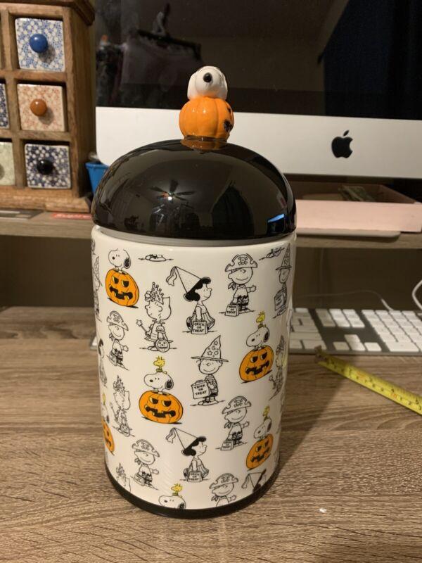 Peanuts / Snoopy Halloween Cookie Jar