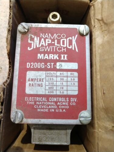 NEW NAMCO SNAP-LOCK D200GST2 LEVER TYPE LIMIT SWITCH