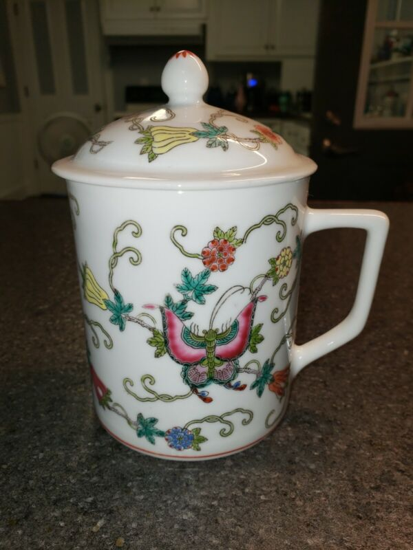 Vtg. Chinese Mun Shou Hand Decorated Enameled Porcelain Lidded White Tea Cup Mug