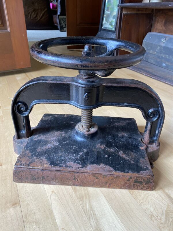 "Antique Cast Iron Book Press, Good Working Condition, press plate 10.25"" x 12.5"""