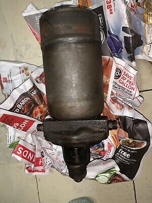 John Deere B Br Bo G Oil Filter Head With Relief Valve And Canister B1742r F96r