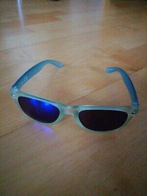 Neuwertige Sonnenbrille für Mädchen ca. 10-12 Jahre grün cool und schick !!!