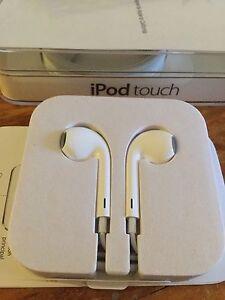 Apple iPod 6 headphones