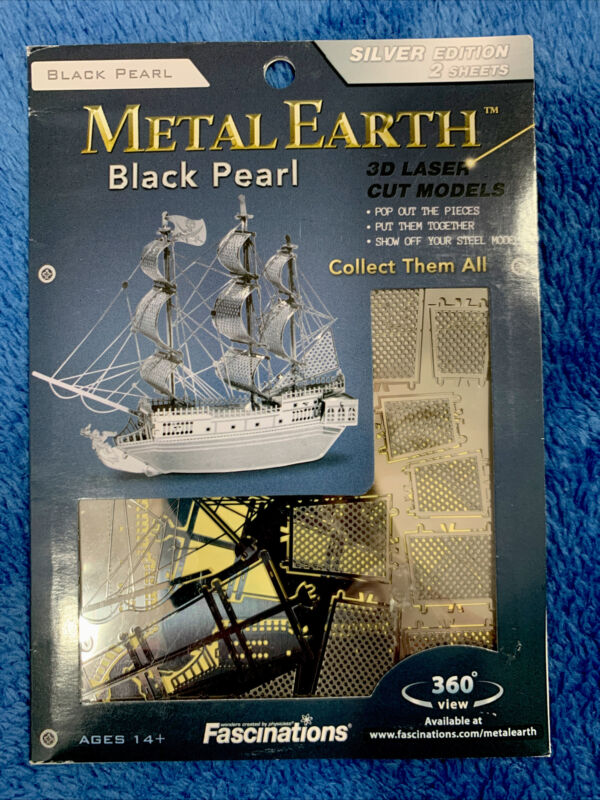 2012 Fascinations Metal Earth 3D Laser Cut Model Black Pearl Ship Boat NEW