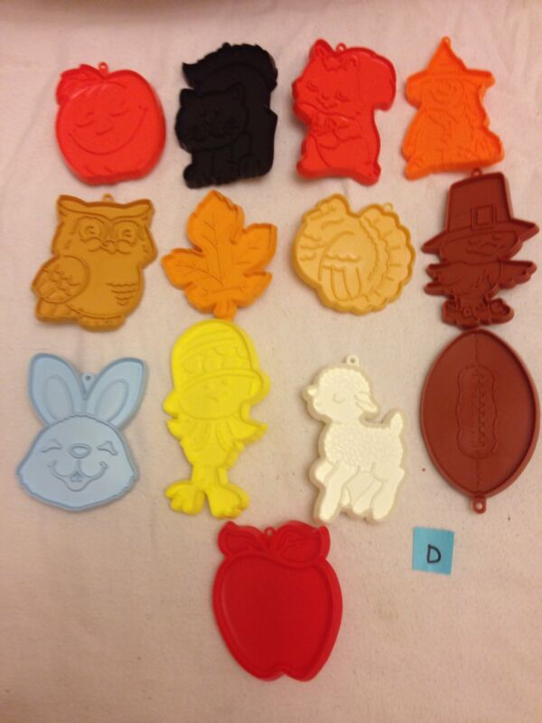 Lot Of 13 Vintage Hallmark Cookie Cutters GUC