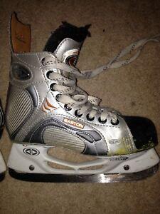 Skates - Easton - boys size 3D